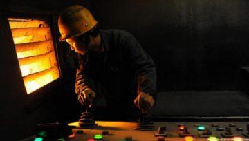 Giá thép và quặng Trung Quốc tăng nhờ Chính phủ tăng kích thích kinh tế