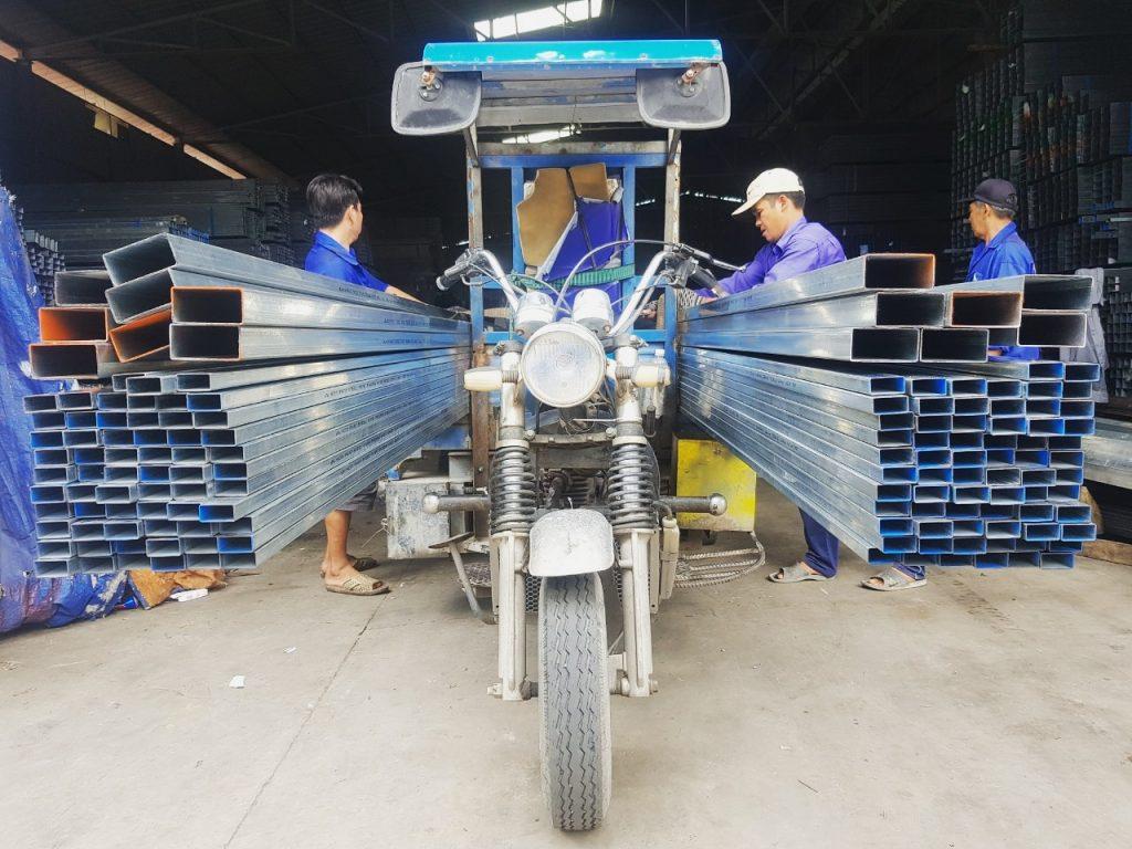thep Hoa Phat 2x4 1.2ly